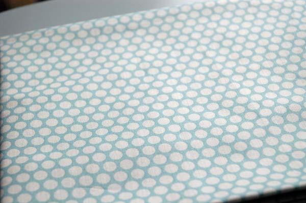 Buzzy_blue_dots